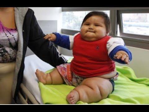 Bé trai 'khổng lồ' 8 tháng tuổi nặng hơn 20kg