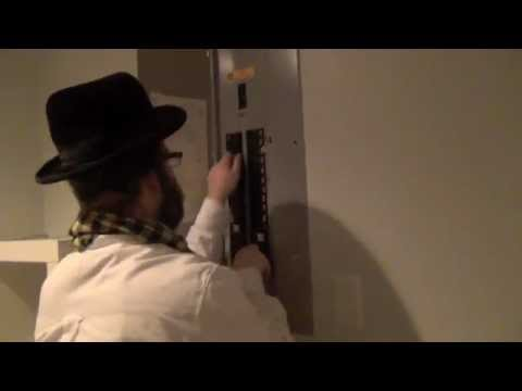 Pesterize #2 Tzind Oon DeLight - Pester Rebbe, Yoely Lebovits