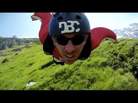 Un petit saut en wingsuit ?