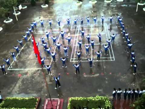 Nhảy Flashmob Việt Nam ơi-Tôi yêu Việt Nam - Tập thể lớp 10a1+11a1 Trường THPT số 1 Bảo Thắng