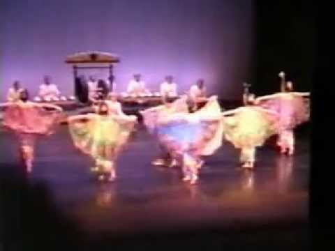 The 1989 Aberdeen International Youth Festival (Indonesia) - Tari Merak
