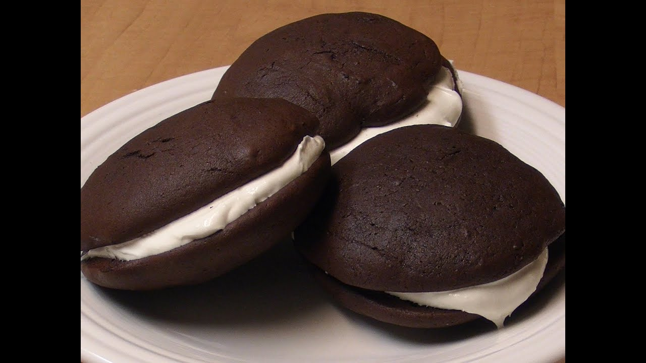 Whoopie Pies w/ Marshmallow Filling - YouTube