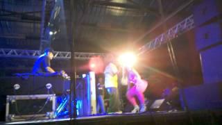 Mr Catra e a Dançarina Andréia - Londrina-pr view on youtube.com tube online.