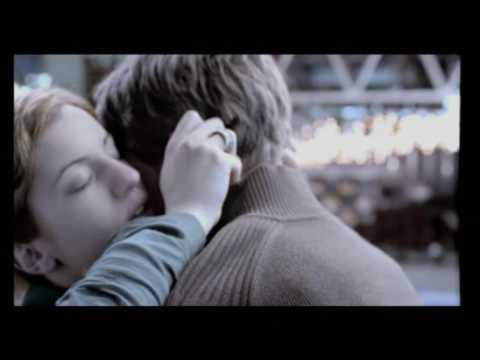 Cyta Φιλιά: Είναι στιγμές που τα λόγια είναι περιττά και άλλες απαραίτητα.