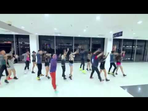 Chi Pu nhảy Gangnam style