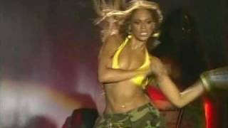 Beyonce and the amazing bouncing boobs