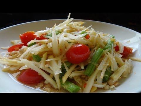 Thai papaya salad (Som tam),