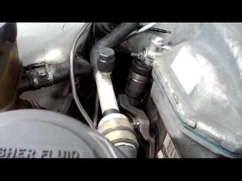 Замена натяжителя ремня навесного оборудования на двигателе 1ZZ-FE