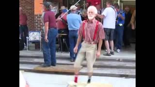 Orang tua ini dance nya keren