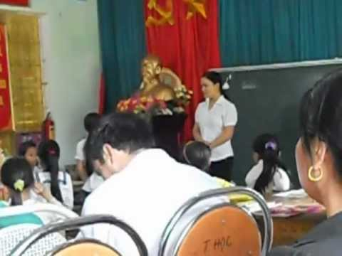 TIEU HOC TRUNG THANH.GV PHAM THI DINH DAY THEO MO HINH LOP VNEN THAM KHAO.