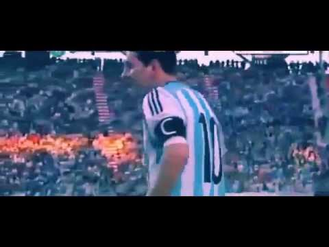 Lionel Messi Vomits again during Argentina vs Slovenia 2014