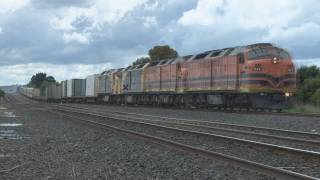 Rare cab unit lash up : 4 CL's on 5BM7 : Australian trains and railroads view on youtube.com tube online.