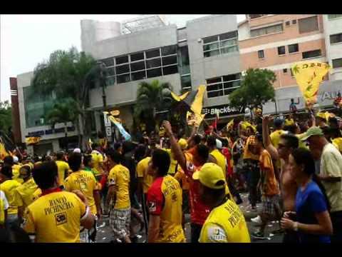 MARCHA Y CELEBRACION POR LOS #89AñosAmoYSoberanoEcuatoriano DE BARCELONA SPORTING CLUB 01/05/14