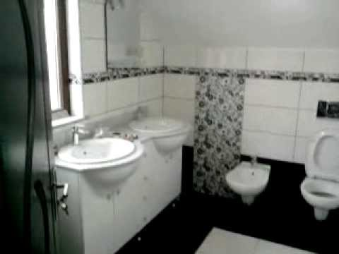 Model de baie in alb si negru  - black and white bathroom design