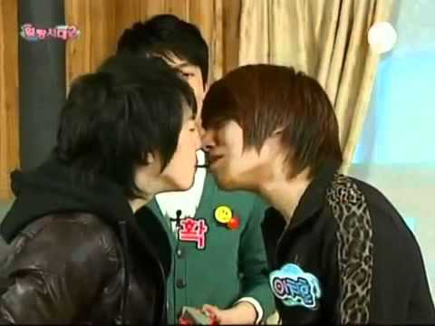 Lee chi hoon and Park Tae Jun pocky :3