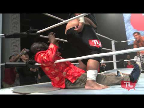 TL Highlight Reel: Wrestling Legend JR Fatu delivers a Stinkface to the smarmy Caesar Black