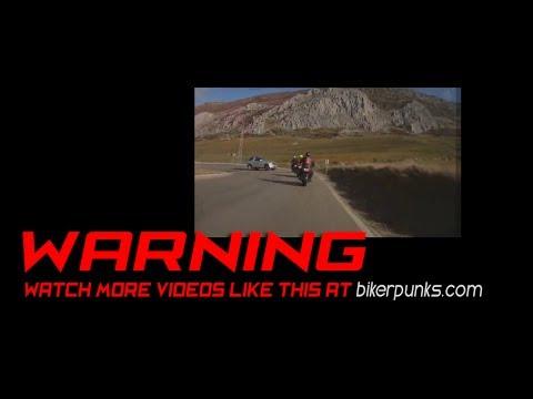 Řidič SUV sejme hned několik motorkářů