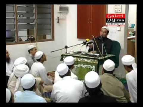 (Lawak) Pegang Handset Baca Quran Ketika Solat - Ustaz Azhar Idrus