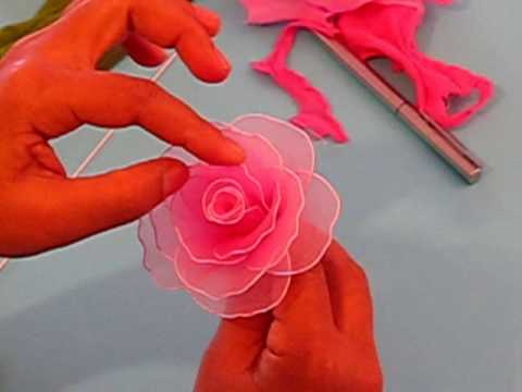 Fabrication d'une rose en collant / Nylon Rose
