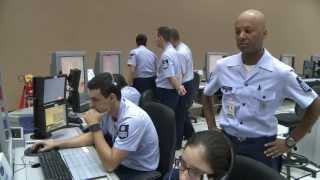 Conheça o serviço prestado pelo Centro de Controle de Área.