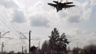 Ukrainian MiG Fighter Jet In Extremely Low Fly-by Buzzes