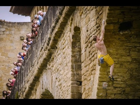 Deep-water soloing competition in Spain - Red Bull Creepers 2014