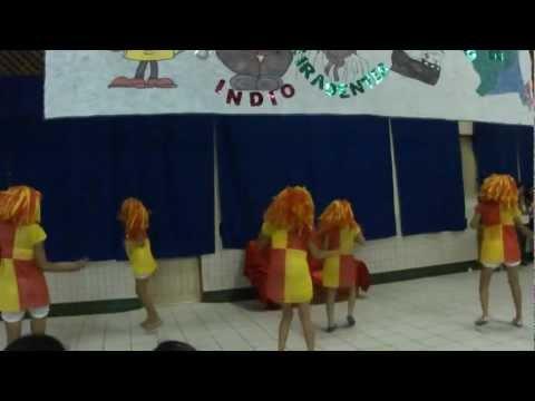 Coreografia da Música Emília, Boneca de Pano