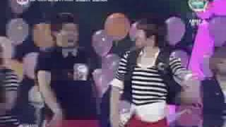 Super Junior- Happiness (live)