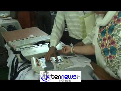 NEW DELHI LOK SABHA ELECTION - ELECTRONIC VOTING MACHINE TRAINING TO OFFICERS