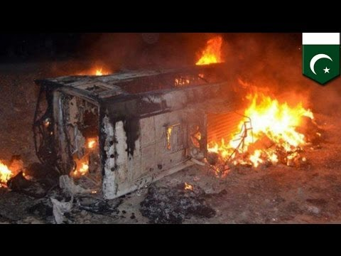 Pakistan bus blast: 22 Shi'ite pilgrims killed