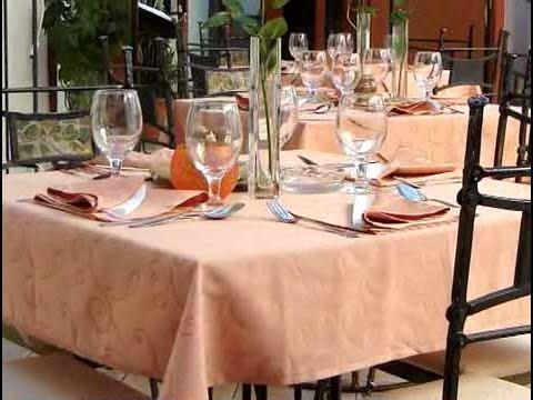 C mo mostrar buenos modales en la mesa youtube for Orden de los cubiertos en la mesa