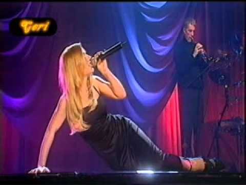A kiss with geri halliwell and kylie minogue 2