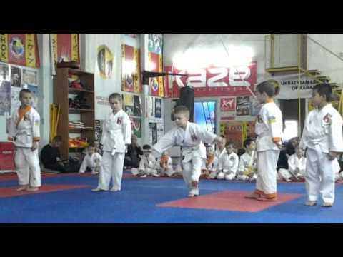 Экзамен по каратэ 13 октября 2013 года в клубе Тигренок