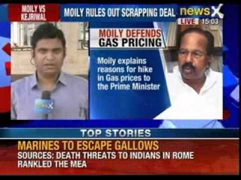 Veerappa Moily explains reasons for hike in gas prices to the PM