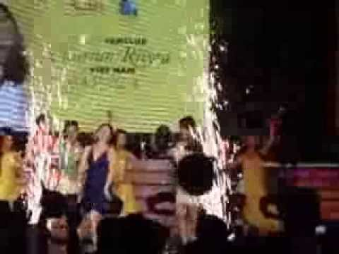 Vietnamese fans welcome Marian Rivera at Nam Quang Music Club