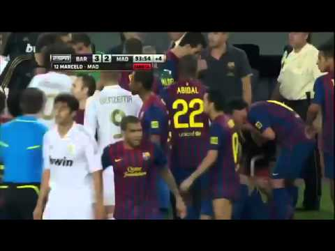 David Villa Heavily Slaps Mesut Ozil HD