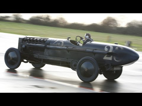 Jeremy Clarkson vs 'The Brutus' Bomber BMW (TOP GEAR)