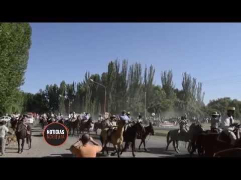 Los gauchos sancarlinos realizaron una cabalgata por el día de la tradición