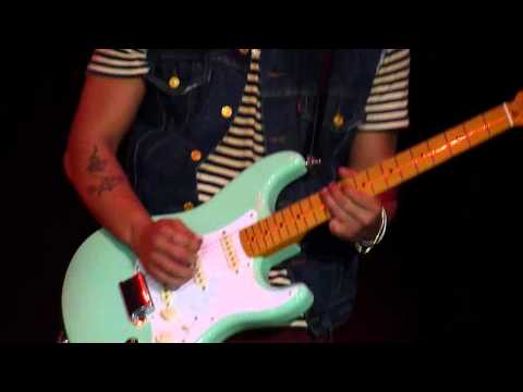 [HD] Bruno Mars - Grenade (Live In Jakarta) 5 April 2011