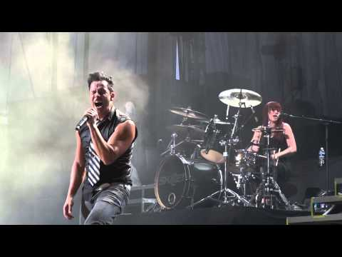 Skillet - Not Gonna Die live 8/13/13 HD