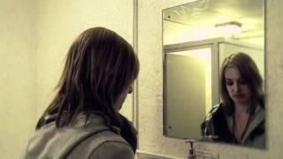 New Horror Film 2011 Girl In The Mirror