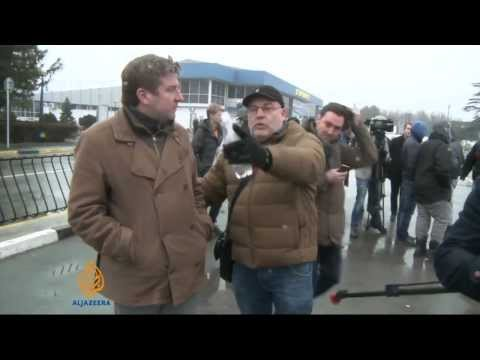 Ukraine: Russia behind airport takeovers