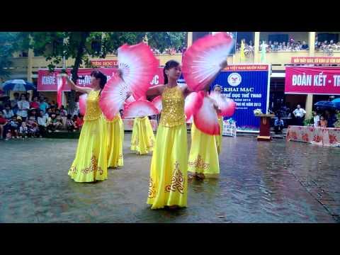 múa nét Việt Tân Cương