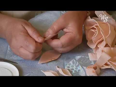 Dekoracja - Łososiowa róża z bibuły
