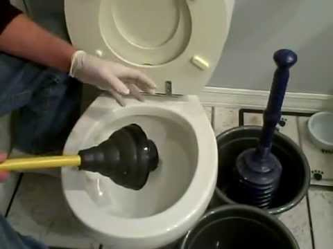best plunger toilet plunging tips how to plunge a toilet youtube. Black Bedroom Furniture Sets. Home Design Ideas