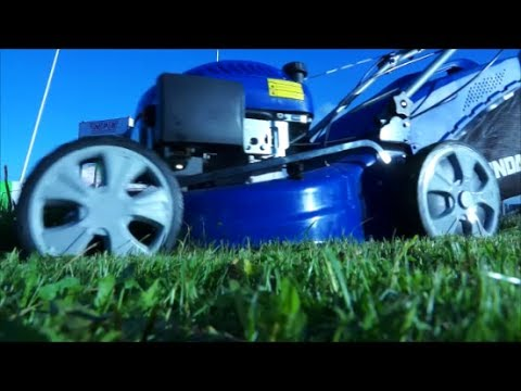 Hyundai HYM51SP Petrol Self Propelled 4-in-1 Rotary Lawnmower In Use Video