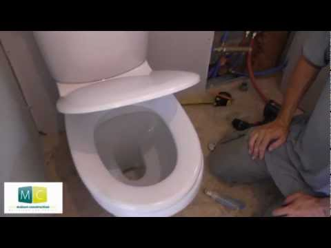Pose wc installation toilettes avec chasse d 39 eau laying a toilet youtube - Comment monter un toilette ...