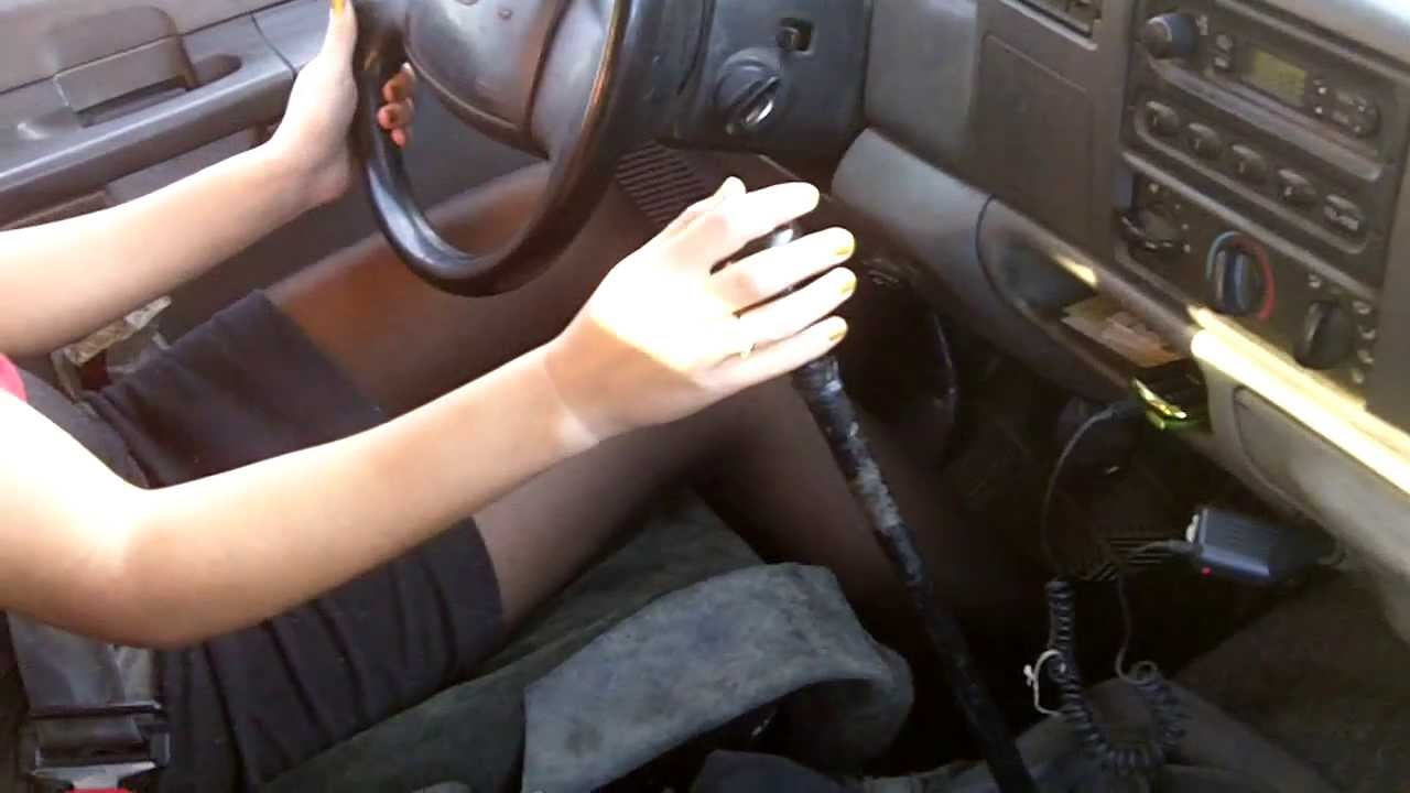 Driving in pantyhose can smell