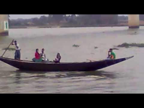 INDIAN PEOPLE TRAVELING IN SMALL SHIP