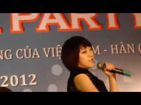 Lộ clip Hari Won nói tiếng Việt rất chuẩn từ 4 năm trước ???